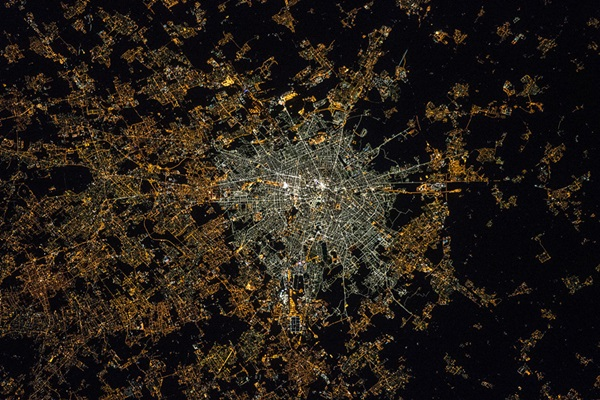Light pollution in Milan