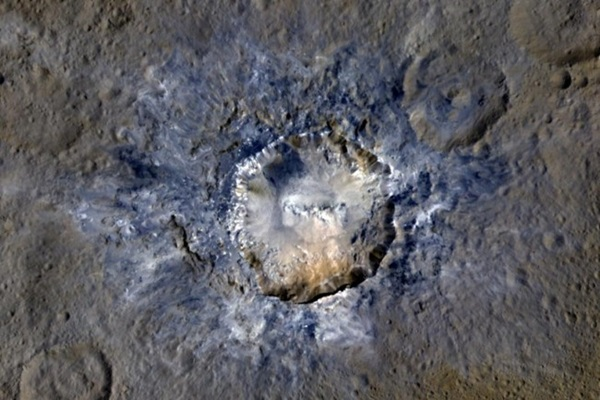 Ceres_Dwarf_Planet_Haulani_Crater