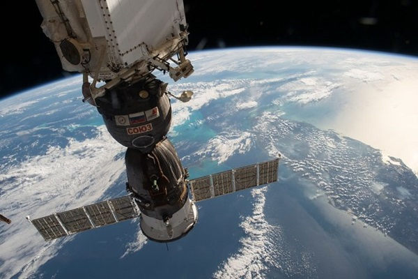 Soyuz docked with ISS over Florida