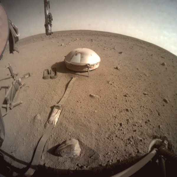 InSight after dropping dirt on SEIS dome