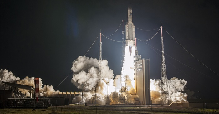 httpwww.esa.intvaresastorageimagesesa_multimediaimages201808ariane_5_v243_100th_launch__2177091771engGBAriane_5_V243_100th_launch__2_pillars