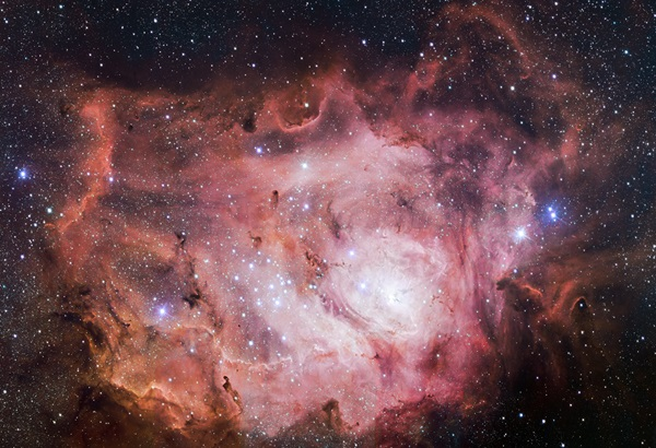 VST_images_the_Lagoon_Nebula