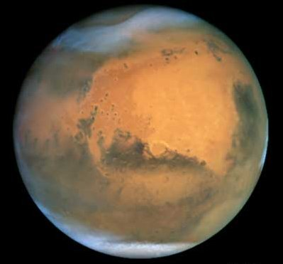 Hubble Views Mars During 2001 Opposition