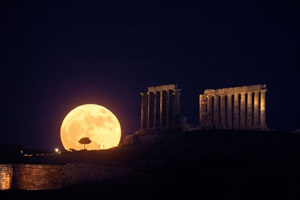 The Full Moon over the Temple of Poseidon