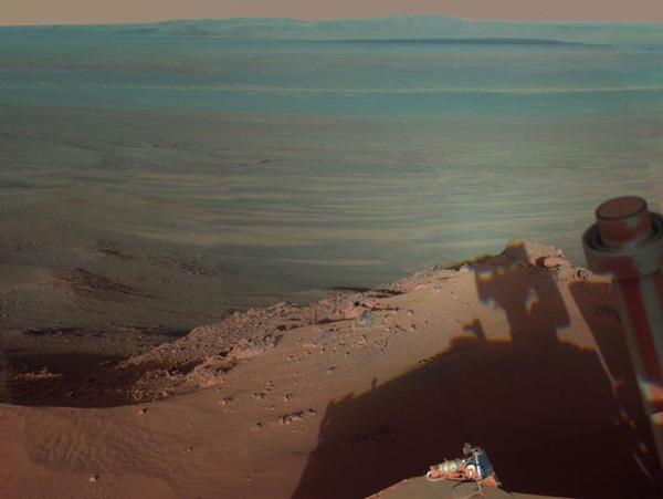Shadows-at-Endeavour-crater