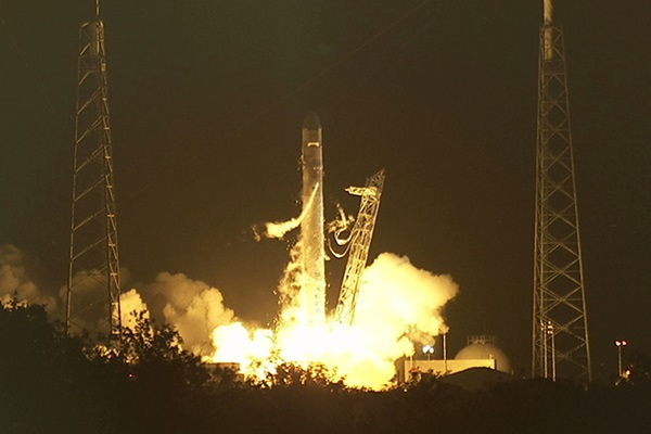 SpaceX launches Falcon 9/Dragon on historic mission   Astronomy com