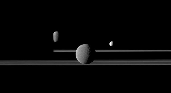 Saturn-with-two-moons