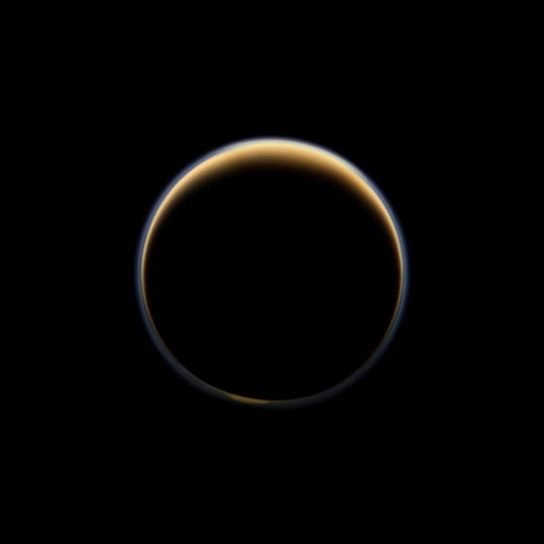 Cassini looks toward night side of Titan