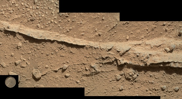 pebbly rocks at martian waypoint