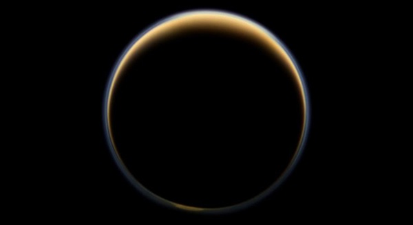 Saturn's largest moon,Titan