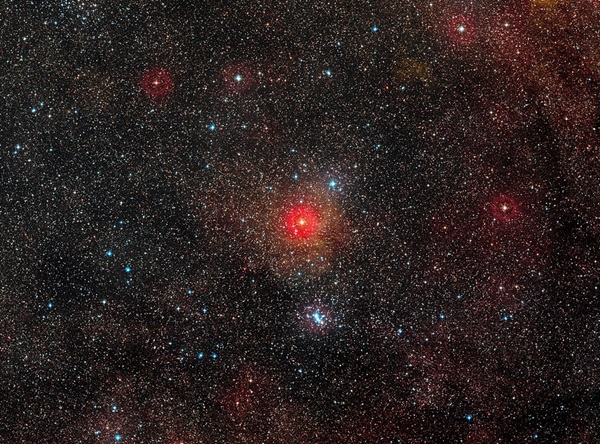 yellow hypergiant star HR5171