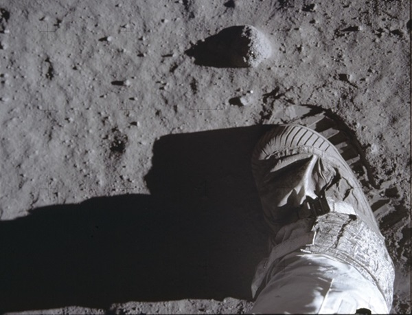 Apollo11bootprint