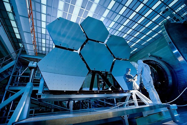 James_Webb_Space_Telescope_Mirror37