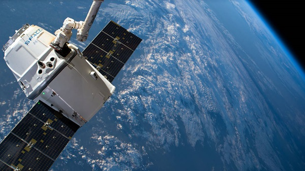 Watch live: SpaceX's Dragon set for Wednesday resupply