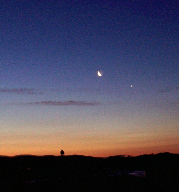 Moon-and-Venus_0211