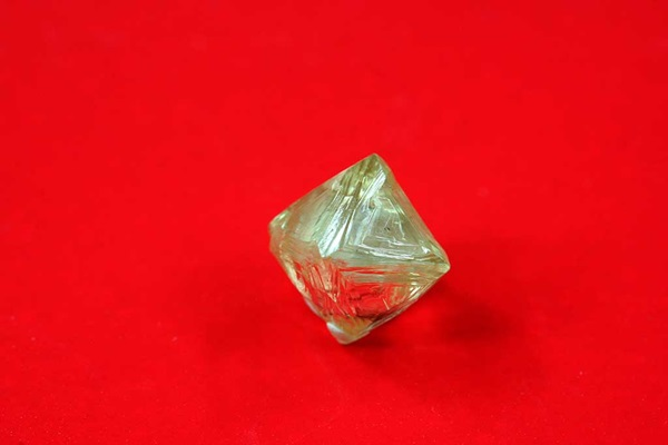 Yellow-octahedral-crystal