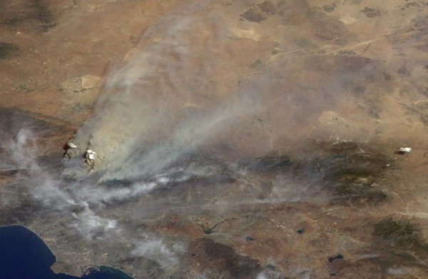 Smoke From Station Fire Blankets Southern California