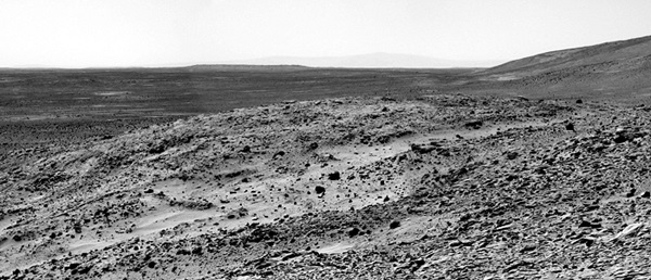 Spirit view across Gusev Crater, Sol 219