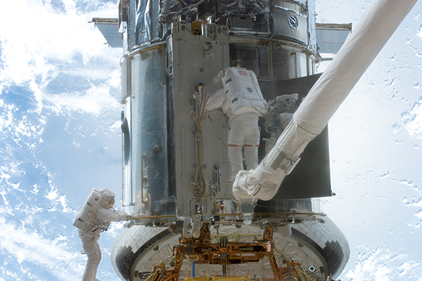 2002 Hubble servicing mission