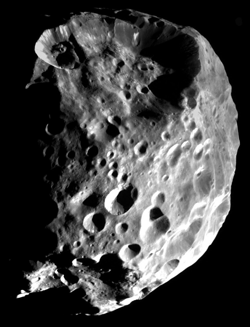 Cassini images Phoebe's disk