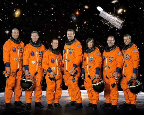 Space shuttle Atlantis STS-125 mission crew