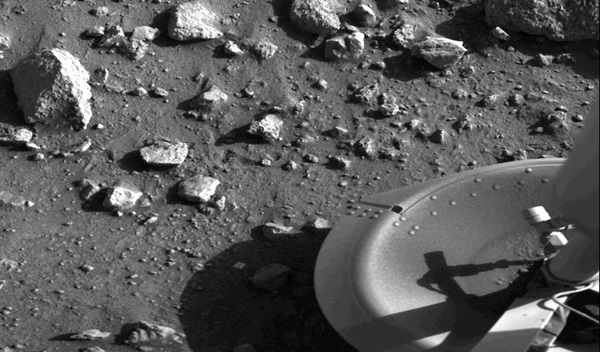 Mars Viking landers on the Moon