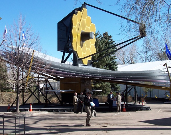 A model of the James Webb Space Telescope
