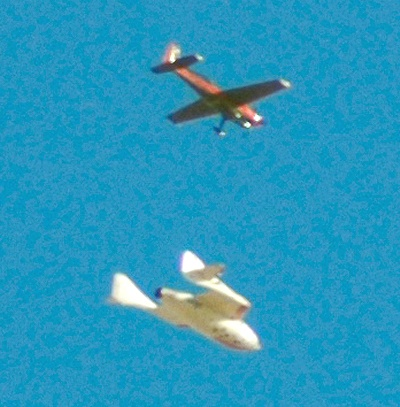 SpaceShipOne and chase plane