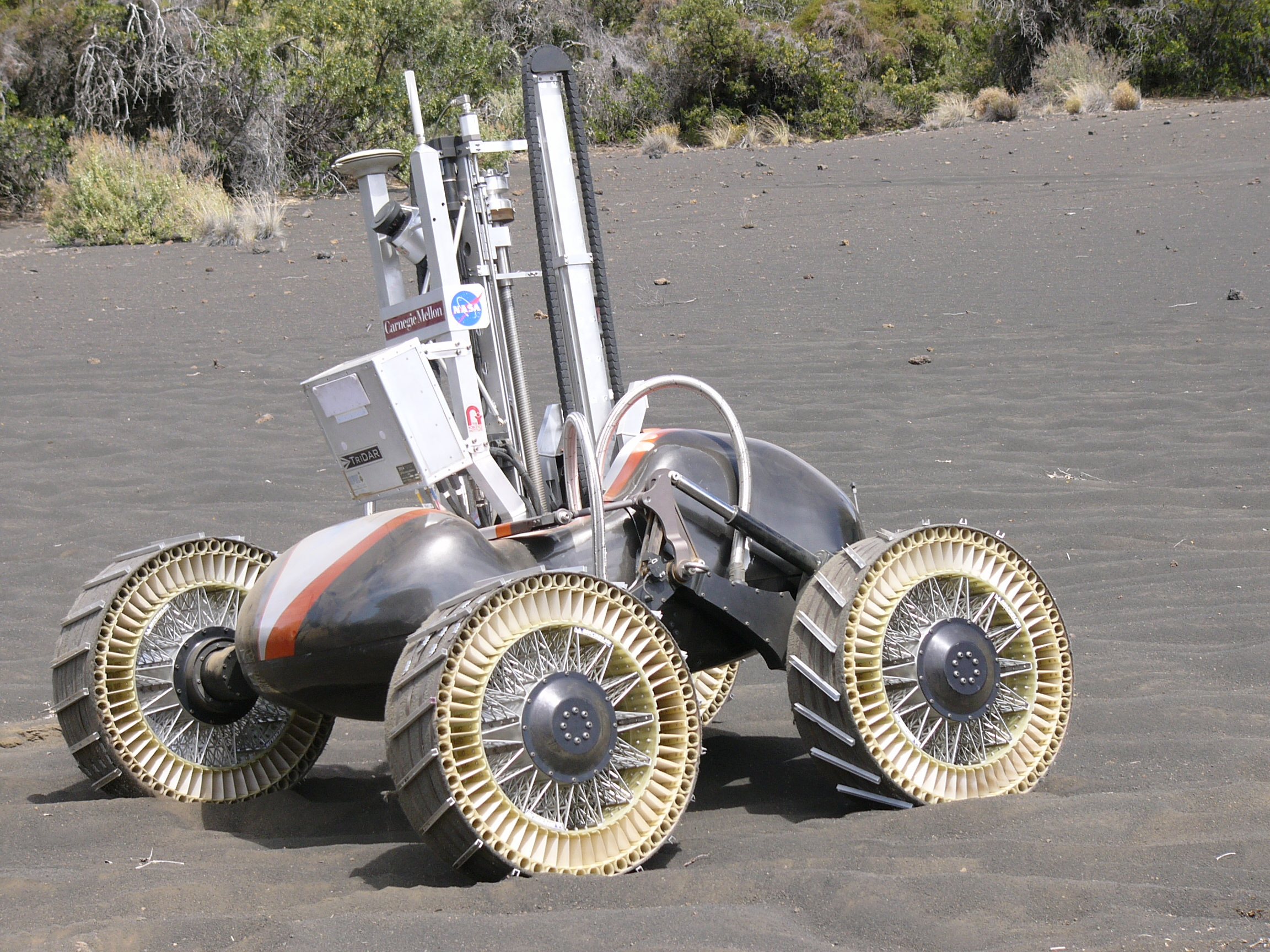 NASA tests lunar rovers and oxygen production technology ...
