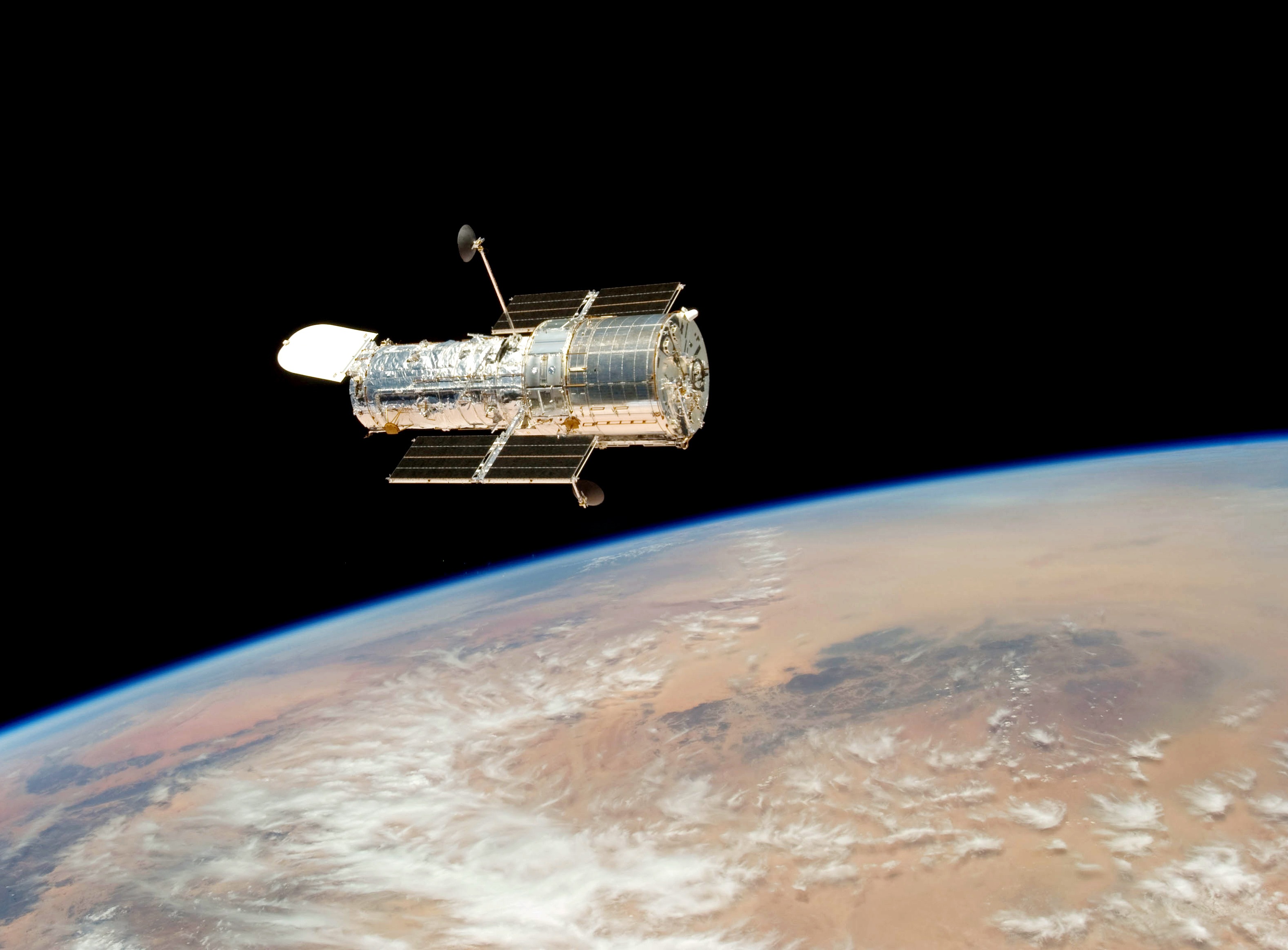 Astronomy Magazine - How the Hubble Space Telescope ...